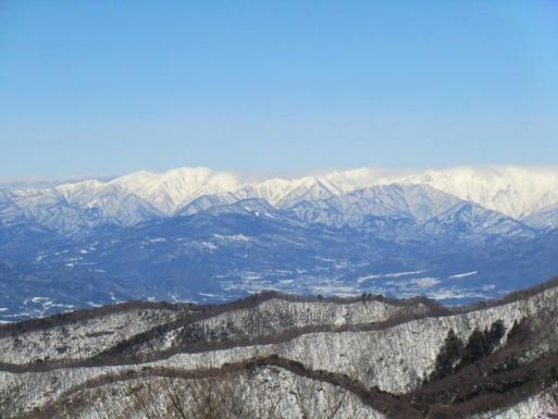 谷川岳山頂部に薄雲