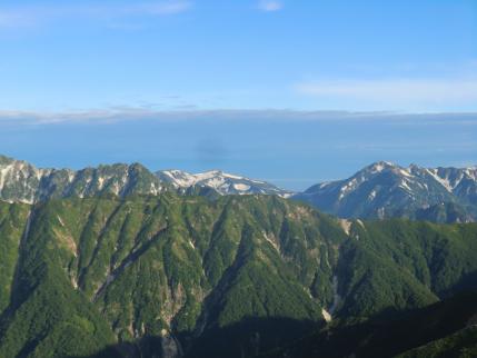 北鎌尾根の右後方は三俣蓮華岳