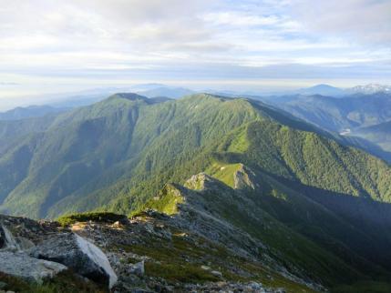 蝶ヶ岳への稜線