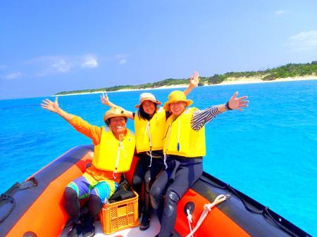 2016夏休み旅行は人気の格安離島ツアー石垣島・西表島で遊ぼう!西表島ツアーランキング人気のケンガイドがおすすめする人気の観光スポット・アクティビティツアーをご紹介。川平湾や竹富島を観光した後は、サマーキャンペーンで由布島観光、女子旅応援!家族割引などお得な割引プランも実施中!カヌー・SUP・アドベンチャーボートでパナリ島シュノーケル・星砂の浜シュノーケリングなど八重山旅行を格安ツアーで遊びつくそう!