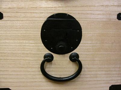 桐小引き出しの時代金具、錠前