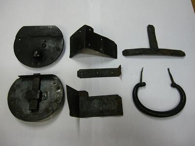 古い時代箪笥の金具