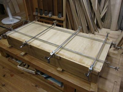 桐たんす、引き出し底板の接ぎ足して幅の修正