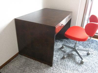 お客様に納めた桜の書斎机