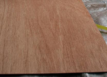 ベニヤ板は便利な素材です