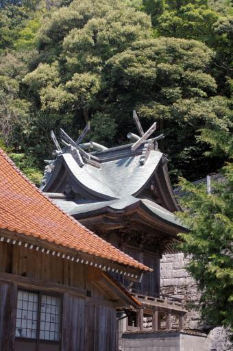 石見八幡宮の本殿