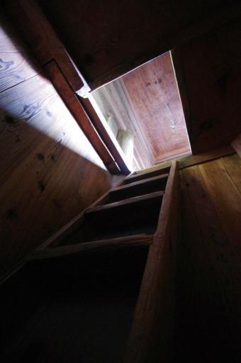 清水寺三重塔の階段
