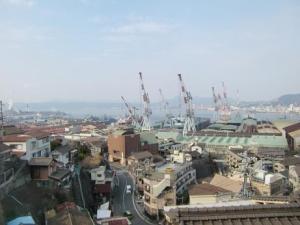 造船所と呉港