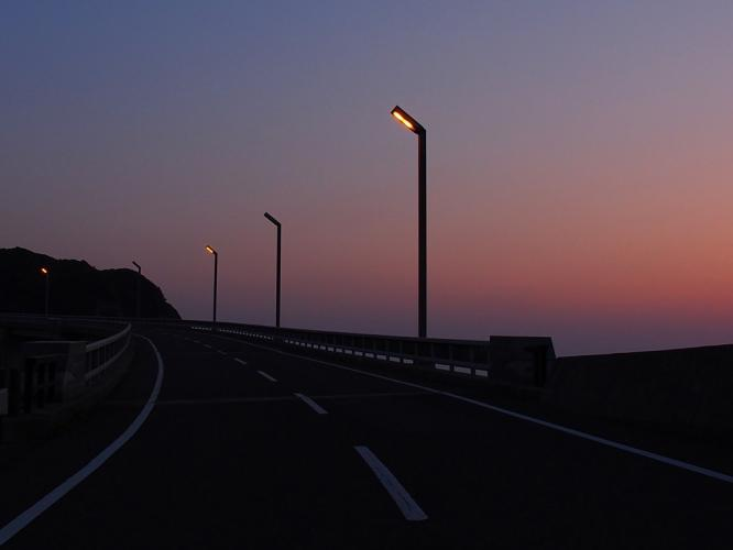 黄昏れる大明神橋