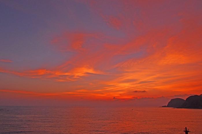 空も海も夕焼け