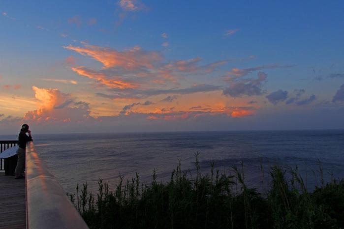 長目の浜 夕景を見る