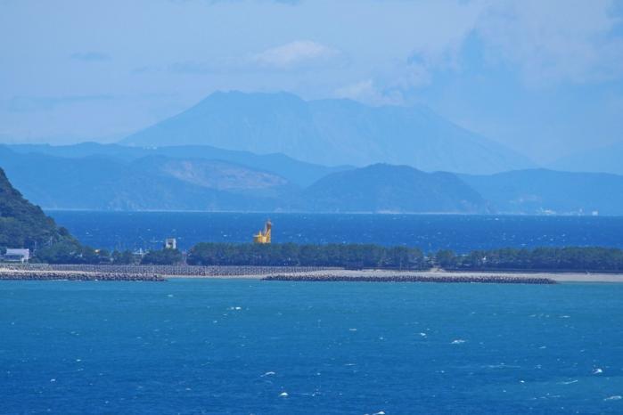 甑島から桜島がみえました。