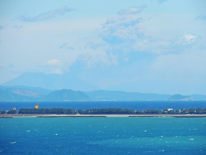 桜島と噴煙