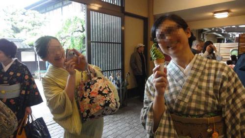 琴さんと抹茶ソフト!