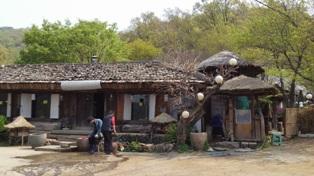 KOREA民家レストラン建物1