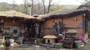 KOREA古民家建物草屋根