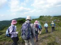 1・2班と続いて・・・生野高原を後にする。