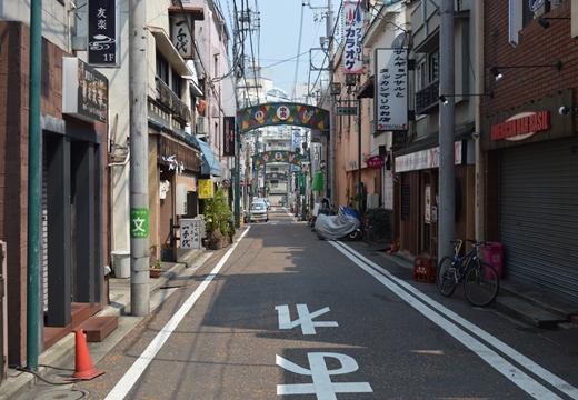 横浜 野毛 (122)_R