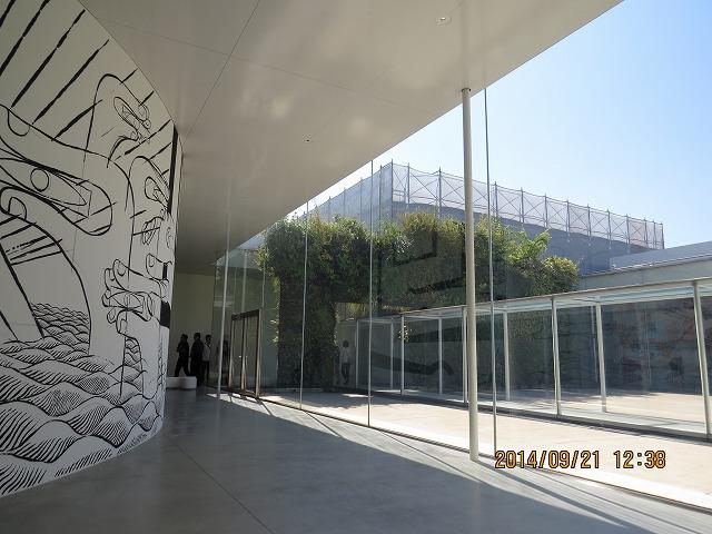 IMG_1737金沢21世紀美術館内部つづき