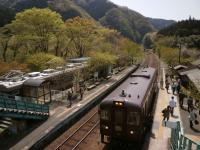 神戸駅列車到着