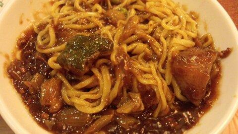 賢来荘ジャージャー麺②