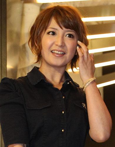 http://blog-imgs-61.fc2.com/k/y/a/kyarasokuhou/G20130623006072400_view.jpg