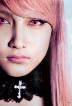 http://blog-imgs-61.fc2.com/k/y/a/kyarasokuhou/TrqSHMK.jpg