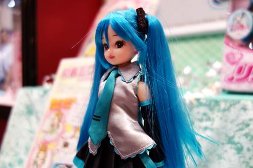 http://blog-imgs-61.fc2.com/k/y/a/kyarasokuhou/miku_rica0.jpg