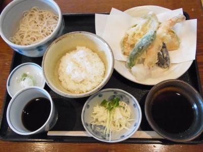 武屋(サービスランチ¥1000)