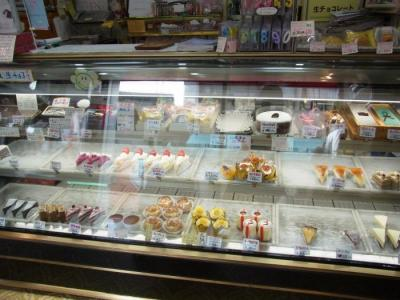 アーモンド洋菓子店(店内1)
