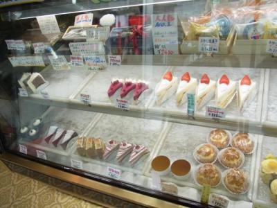 アーモンド洋菓子店(店内3)