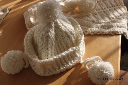 IMG_1728 母のハンドメイド(七海の帽子とケープ)