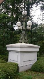 皇居正門石橋飾電燈
