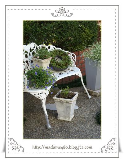 白いベンチweb用A