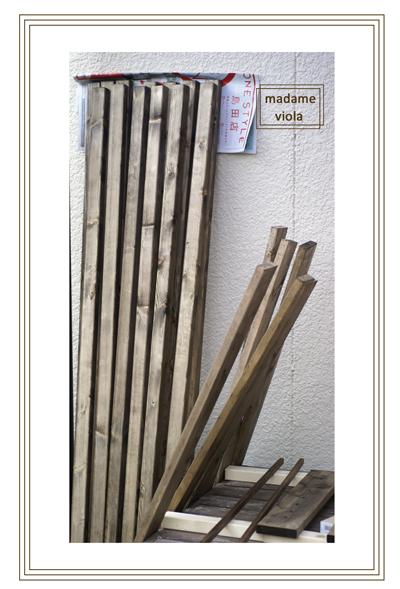 フェンス木材防腐剤塗るweb用