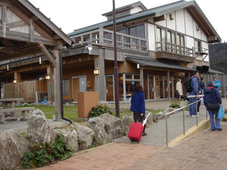 海士町観光協会の建物.JPG
