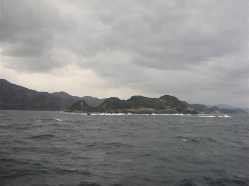 少し荒れ模様の海.JPG