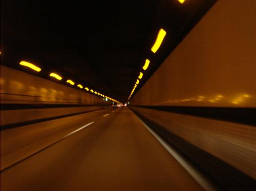 長いトンネルを抜けて.JPG