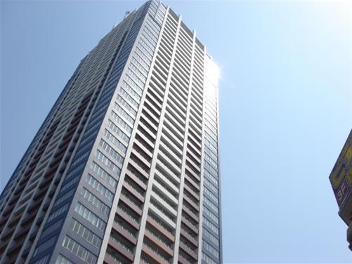 高いビル.JPG