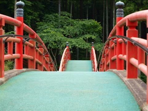 この橋の向こう側に・・・・.JPG