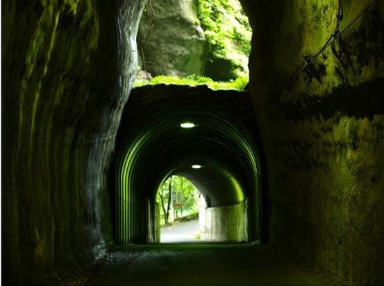 妙なトンネル.JPG