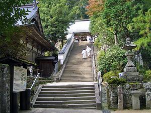 鶴林寺境内階段.jpg