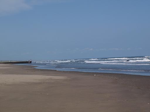 人気の少ない浜.JPG