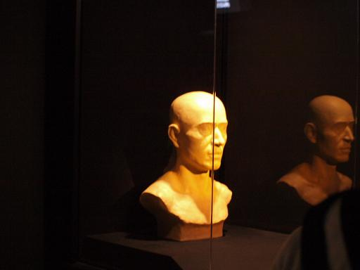 ミイラからの頭部復元像.JPG