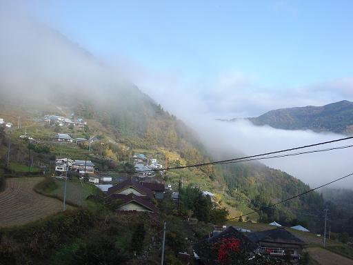 雲の上の村.JPG