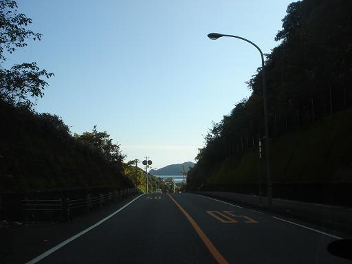 塚地峠を越えると.JPG