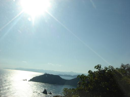 太陽と海と島影と.JPG