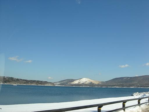 寒そうな山中湖.JPG
