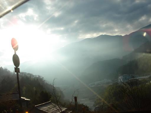 雲間から光が.JPG