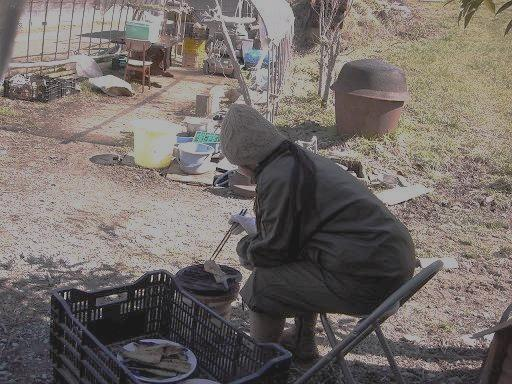 山で魚を焼く江戸っ娘.JPG